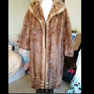 100% Genuine Mink fur coat.  in great condition.